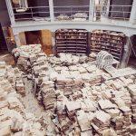 Libri alluvionati nell'emiciclo magazzini della BNCF