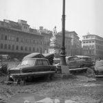 Piazza Santa Croce. Firenze 1966.
