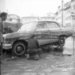 Auto distrutta. Firenze 1966