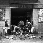 Danni nei negozi, Firenze 1966