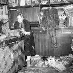 Danni alle abitazioni e ai negozi. Firenze 1966