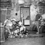 Danni ai negozi e alle botteghe. Firenze 1966