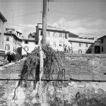 Lungarno. Spalletta distrutta nei pressi della BNCF. Firenze 1966