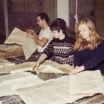 Asciugatura di libri alluvionati della BNCF su telaio