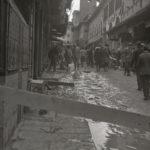Acqua su Ponte Vecchio. Firenze 1966
