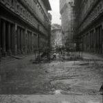 Piazzale degli Uffizi. Alluvione Firenze 1966